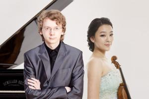 Клара-Джуми Кан (скрипка) и Сергей Редькин (фортепиано)