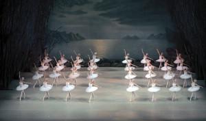 Swan Lake by Valentin Baranovsky В© State Academic Mariinsky Theatre (5)
