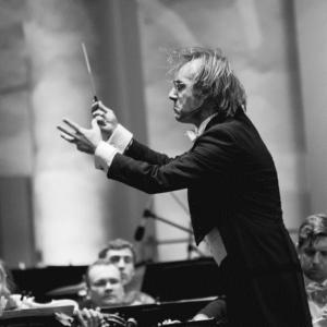 Фабио Мастранджело – главный приглашенный дирижер.