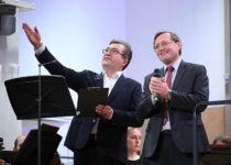 Павел Креков и Рустем Хасанов. Приветствие публике виртуальных концертных залов